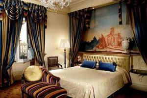 Rom på The St. Regis Grand Hotel