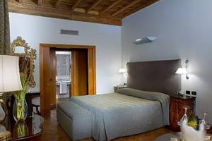 Rom på Valadier Hotel